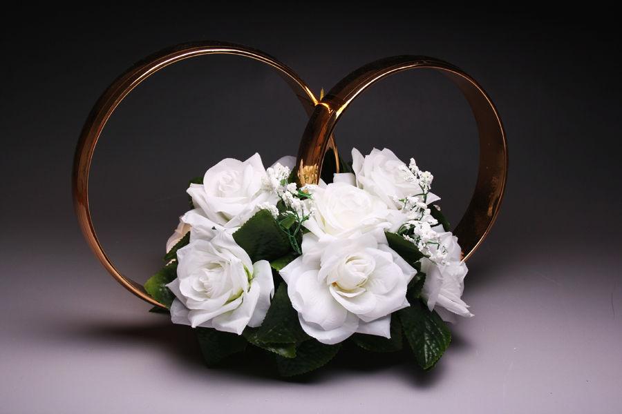 Кольца на машину Белые розы