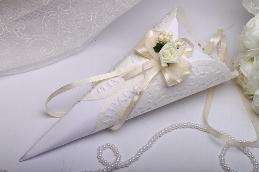 Кулек для лепестков на свадьбу