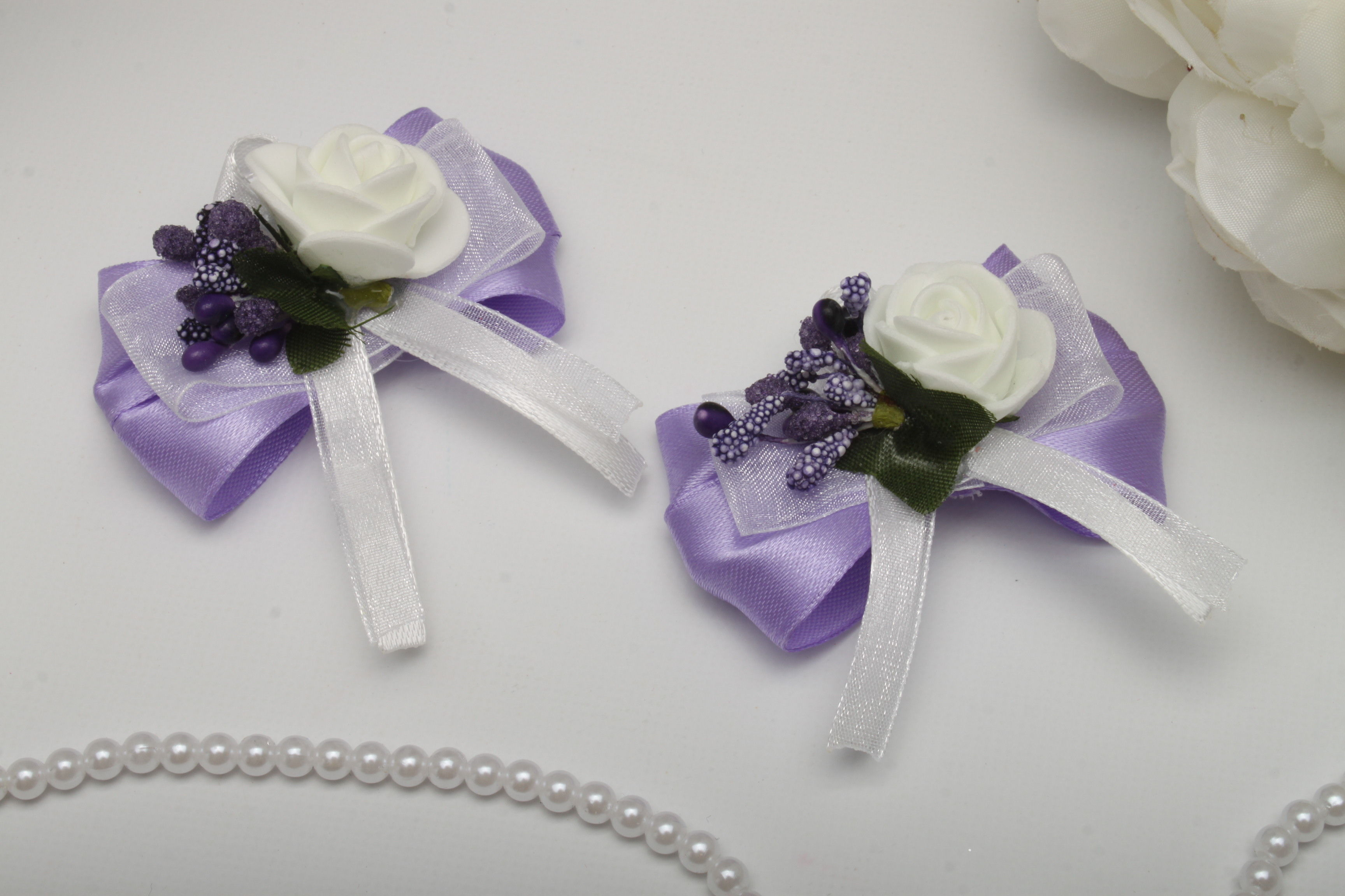 Бутоньєрка Flowers purple