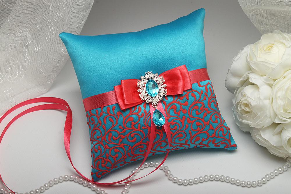 купить свадебную подушку