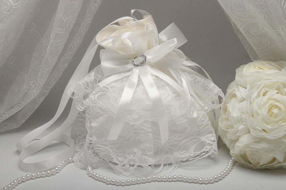 Сумочка невесты с кружевом айвори