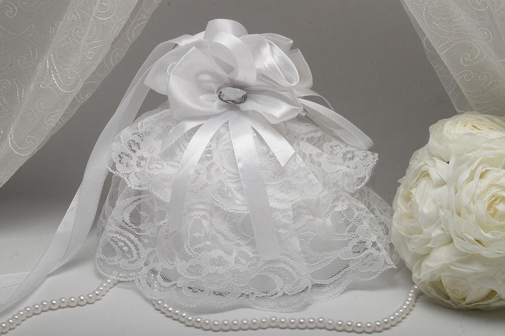 Сумочка невесты с кружевом белая