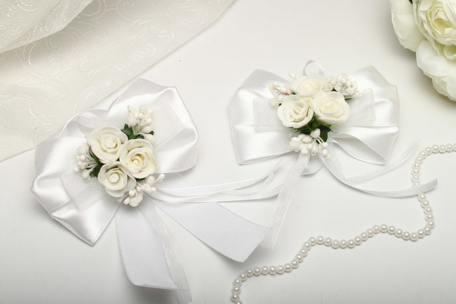 Бутоньерки Flowers white