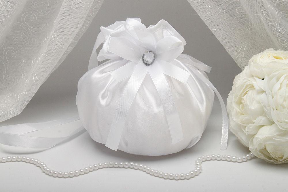 Сумочка нареченої атласна біла