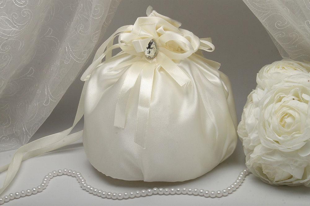 Сумочка невесты атласная айвори