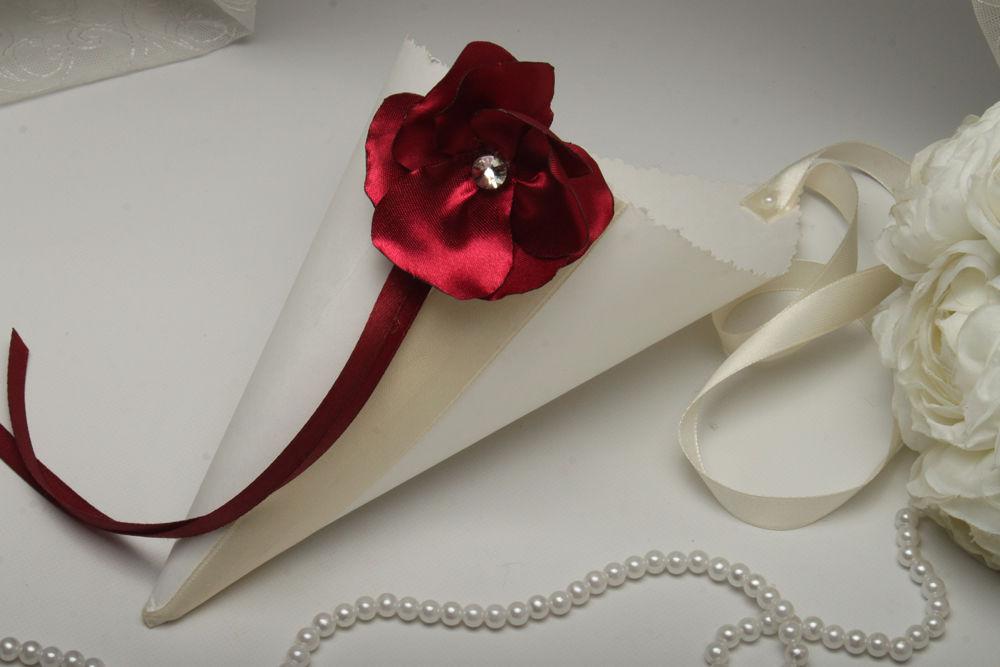 Кулек цветок бордо